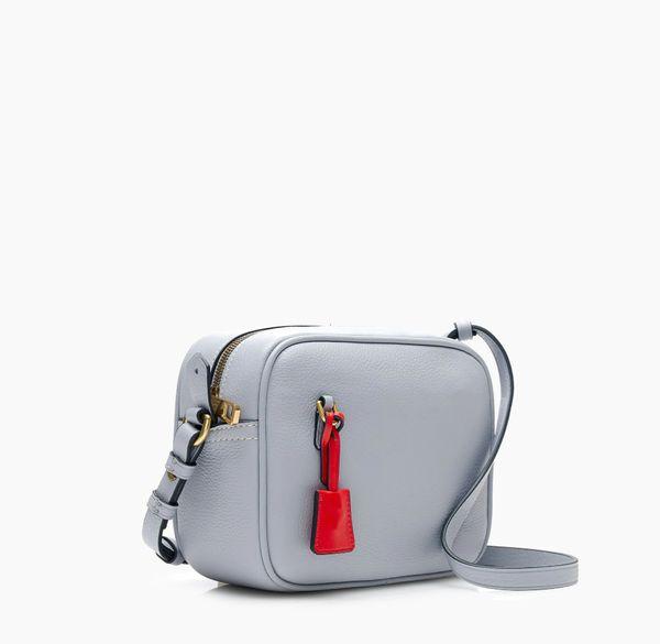 "<a href=""https://www.jcrew.com/us/p/womens_category/handbags/crossbodybags/signet-bag-in-italian-leather/G7315"" target=""_blan"
