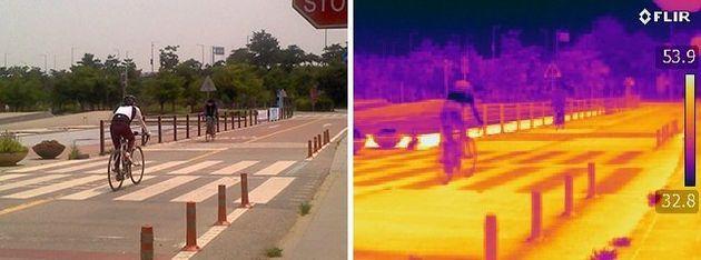 오전 11시께 서울 여의도 한강공원 자전거도로 표면 온도가 53.9도를 가리키고