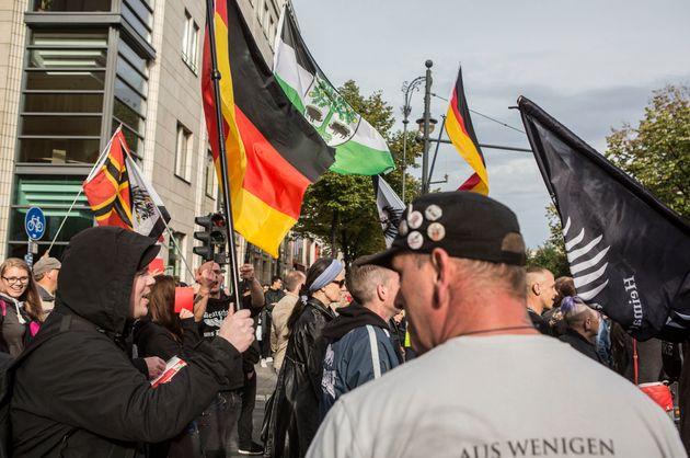 Γερμανία: Λίστα 25.000 «εχθρών» της ακροδεξιάς προς