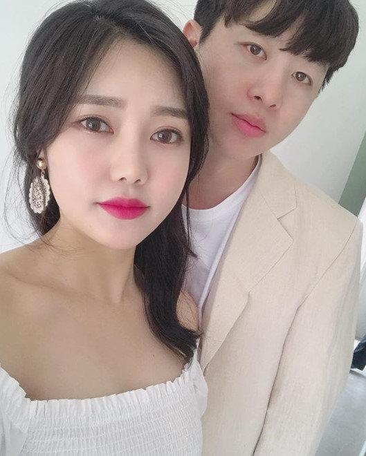 유상무 측이 김연지와의 결혼 날짜와 장소를