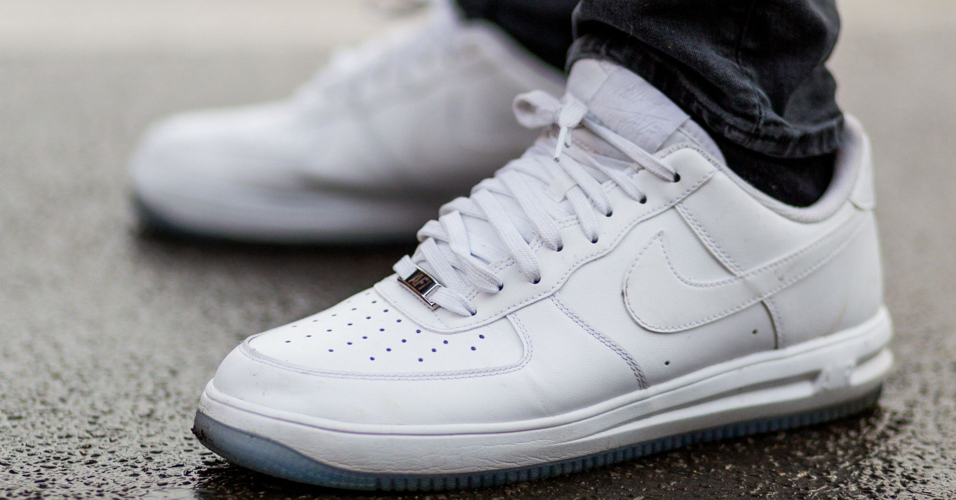 7 Ways To Keep Your White Sneakers Looking Fresh