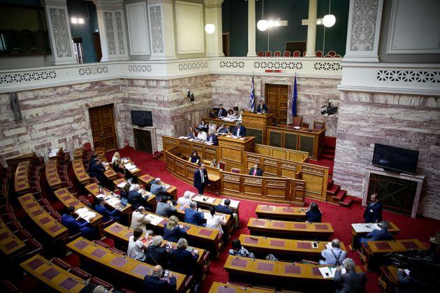 Βουλευτική τροπολογία: Και οι ΠΑΕ μπορούν να ενταχθούν στον εξωδικαστικό