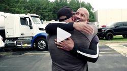Ο Dwayne Johnson έκανε έκπληξη στον επί 17 χρόνια κασκαντέρ του με ένα μοναδικό δώρο-και εκείνος συγκινήθηκε