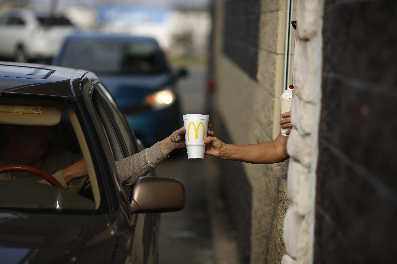Schwangere bestellt McDonalds-Kaffee –kurze Zeit später ruft sie den