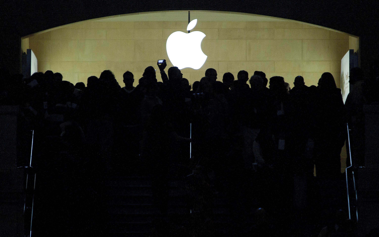 망해가던 애플은 어떻게 사상최초 '1조달러 기업'이