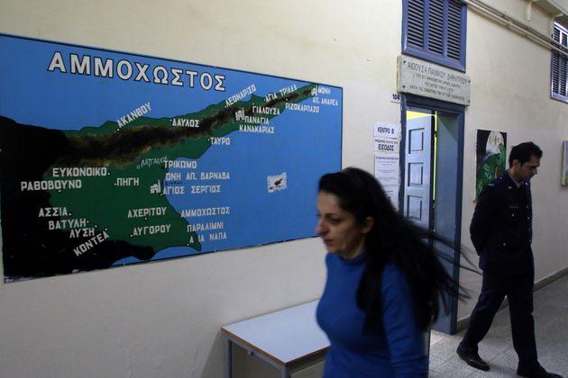 Ποιος υποβαθμίζει την Κυπριακή Δημοκρατία σε συνιστών