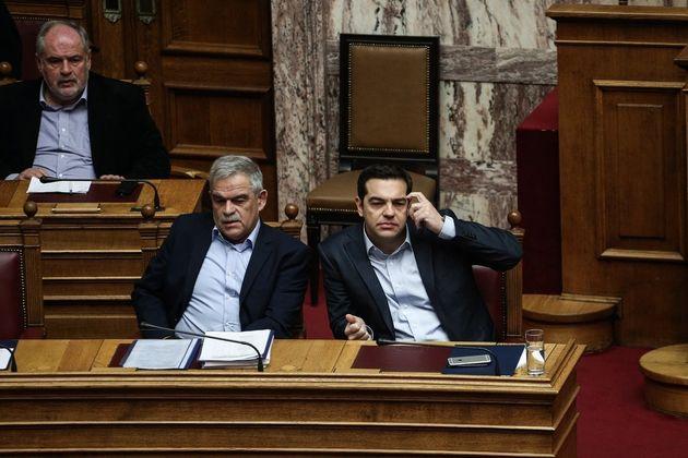 Η ανάρτηση Τσίπρα στο Τwitter για την «γενναιότητα του στρατηγού» Τόσκα που παραιτήθηκε από υπουργός...