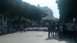 Une prière de rue à l'Avenue Habib Bourguiba en représailles au rapport de la