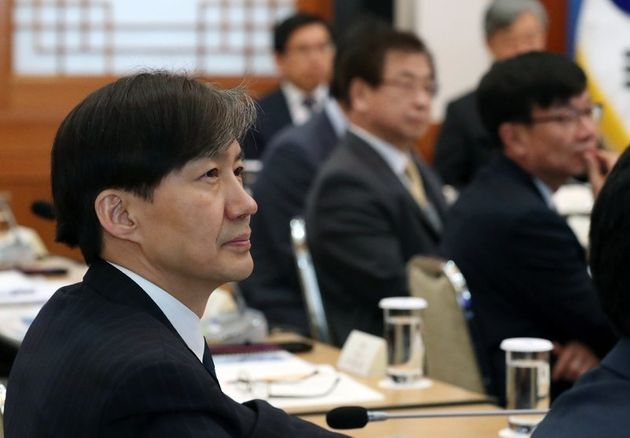 조국 민정수석 논문 표절 의혹에 서울대가 대부분 '무혐의 결정'