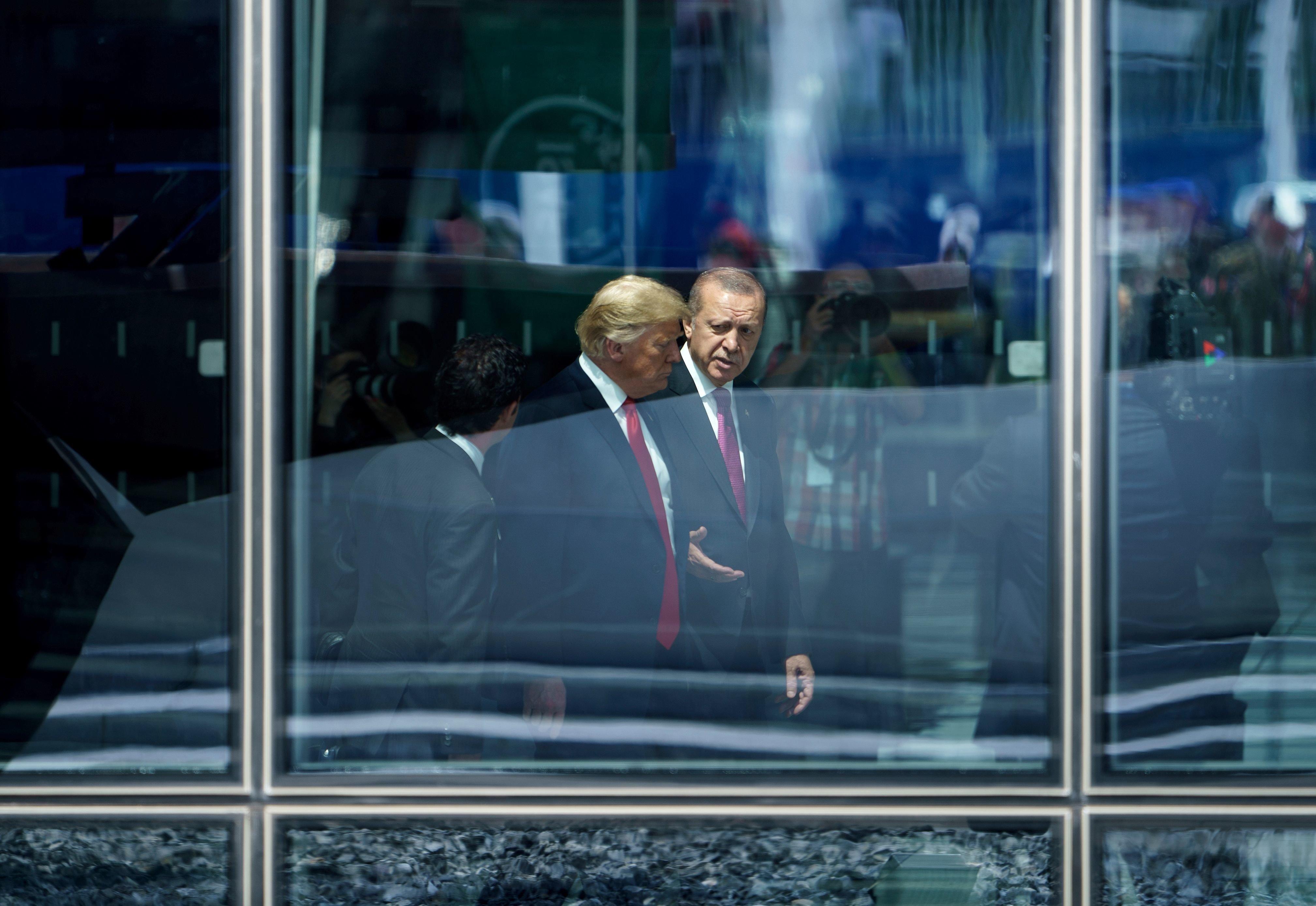 Η μπλόφα του Ερντογάν στον Τραμπ. Πώς ο σουλτάνος την έφερε στον πλανητάρχη