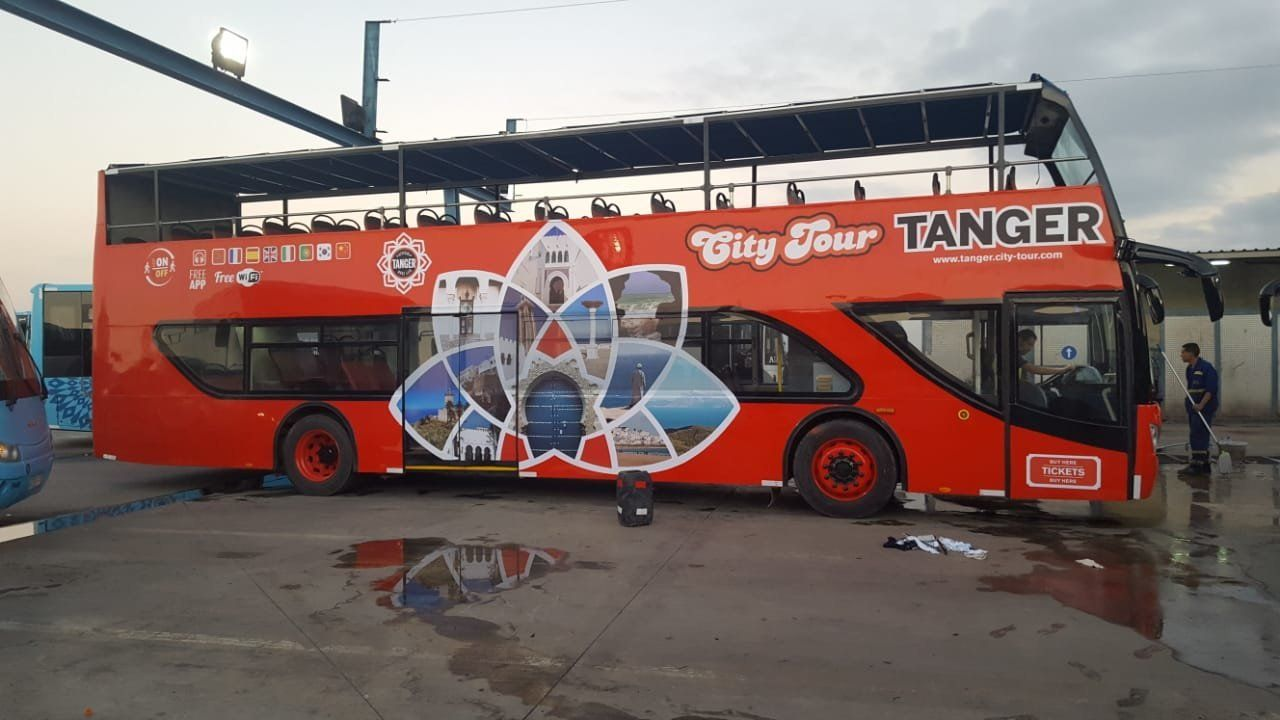 Tanger se dote de deux bus touristiques