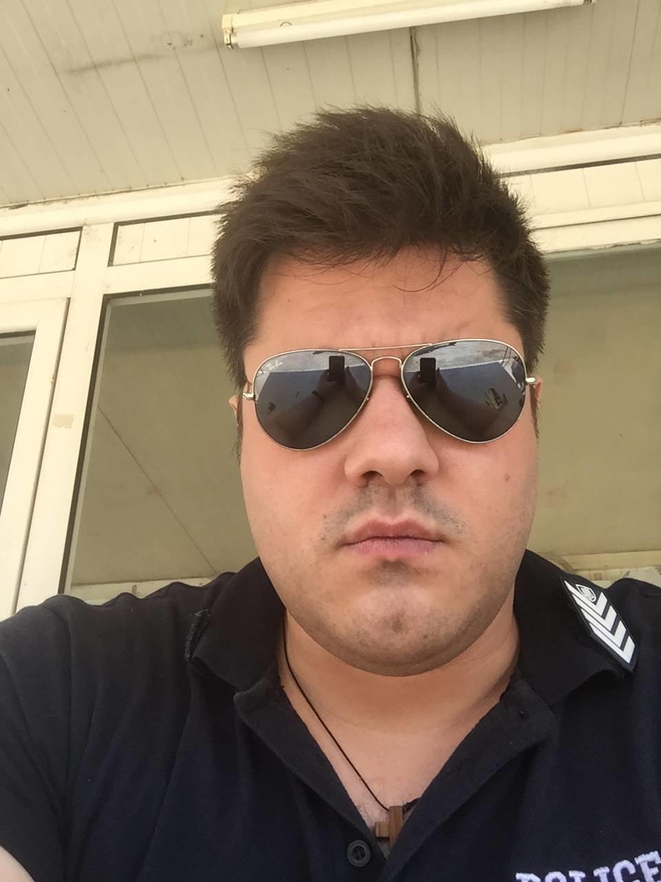 Η συγκλονιστική συνομιλία αστυνομικού με άνδρα που έχασε τη γυναίκα του στις