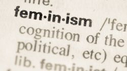 아무도 청소년들에게 페미니즘을 가르쳐주지