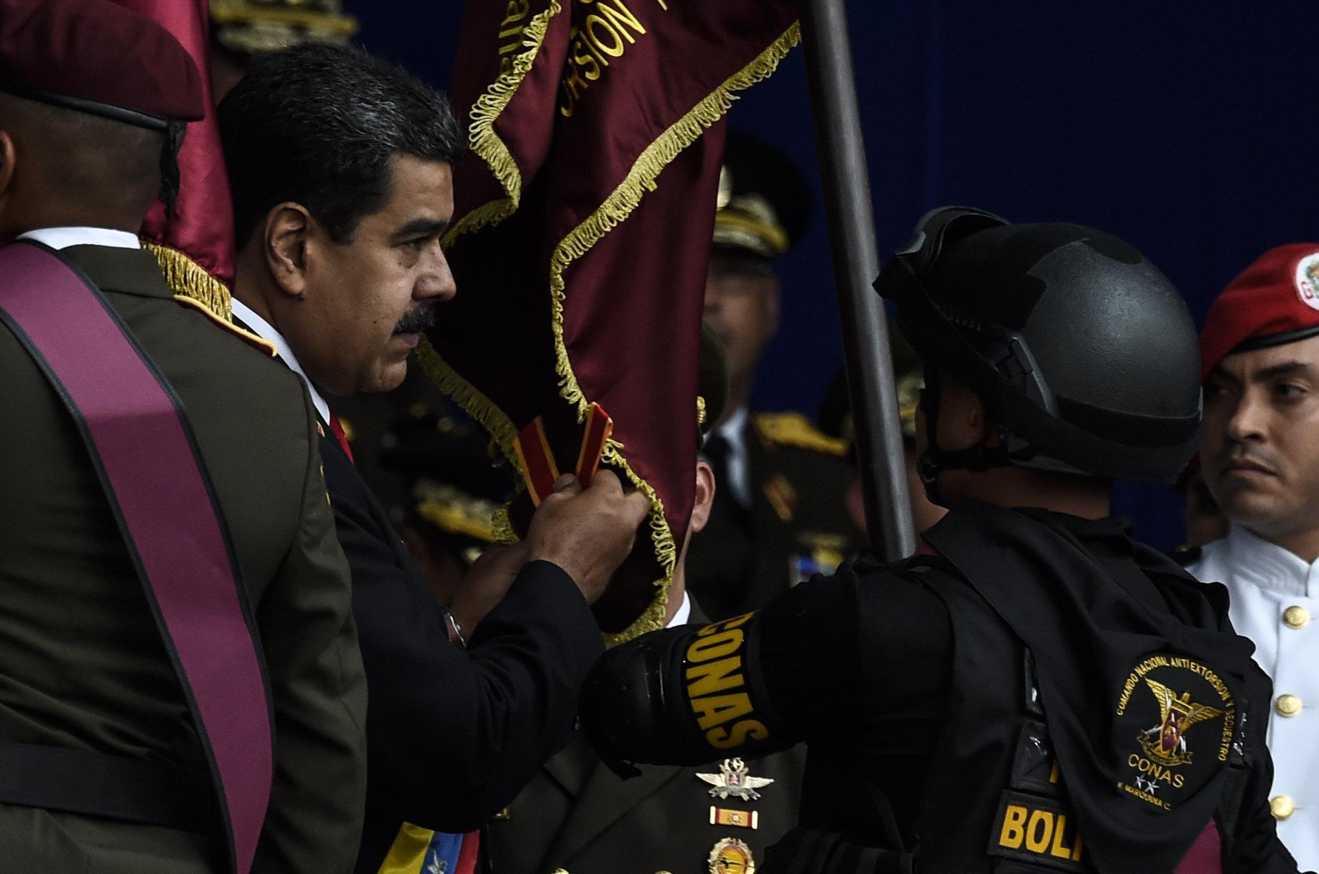 Drohnen-Anschlag auf Venezuela-Präsident Maduro: Video zeigt Schockmoment der
