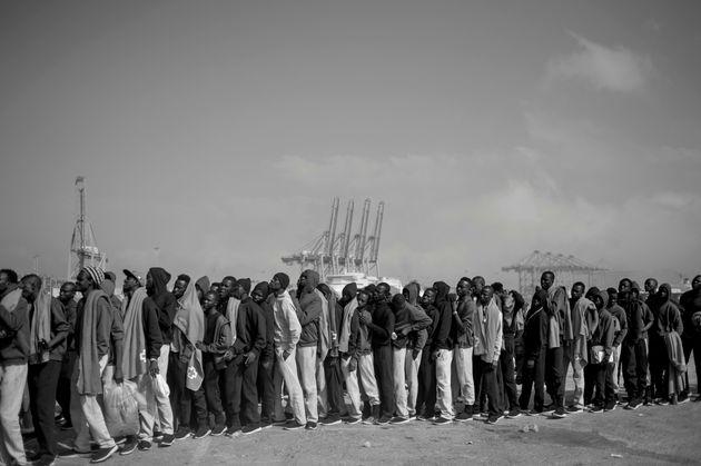 Περίπου 400 μετανάστες διασώθηκαν στα ανοιχτά των ισπανικών ακτών το