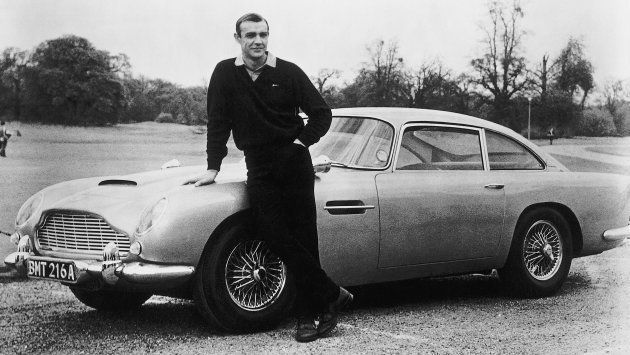 Sean Connery, le premier James Bond, et sa mythique Aston