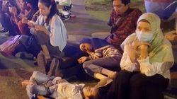 Indonésie: les images de la panique après le puissant séisme qui a frappé l'île de