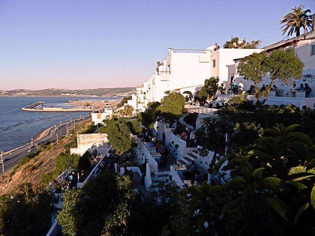Tanger: La terrasse du Café Hafa détruite pour protéger le patrimoine de la ville, selon les