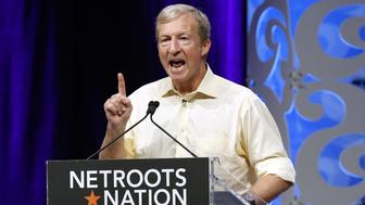 Tom Steyer speaks at the Netroots Nation annual conference for political progressives in New Orleans, Louisiana, U.S. August 2, 2018. REUTERS/Jonathan Bachman