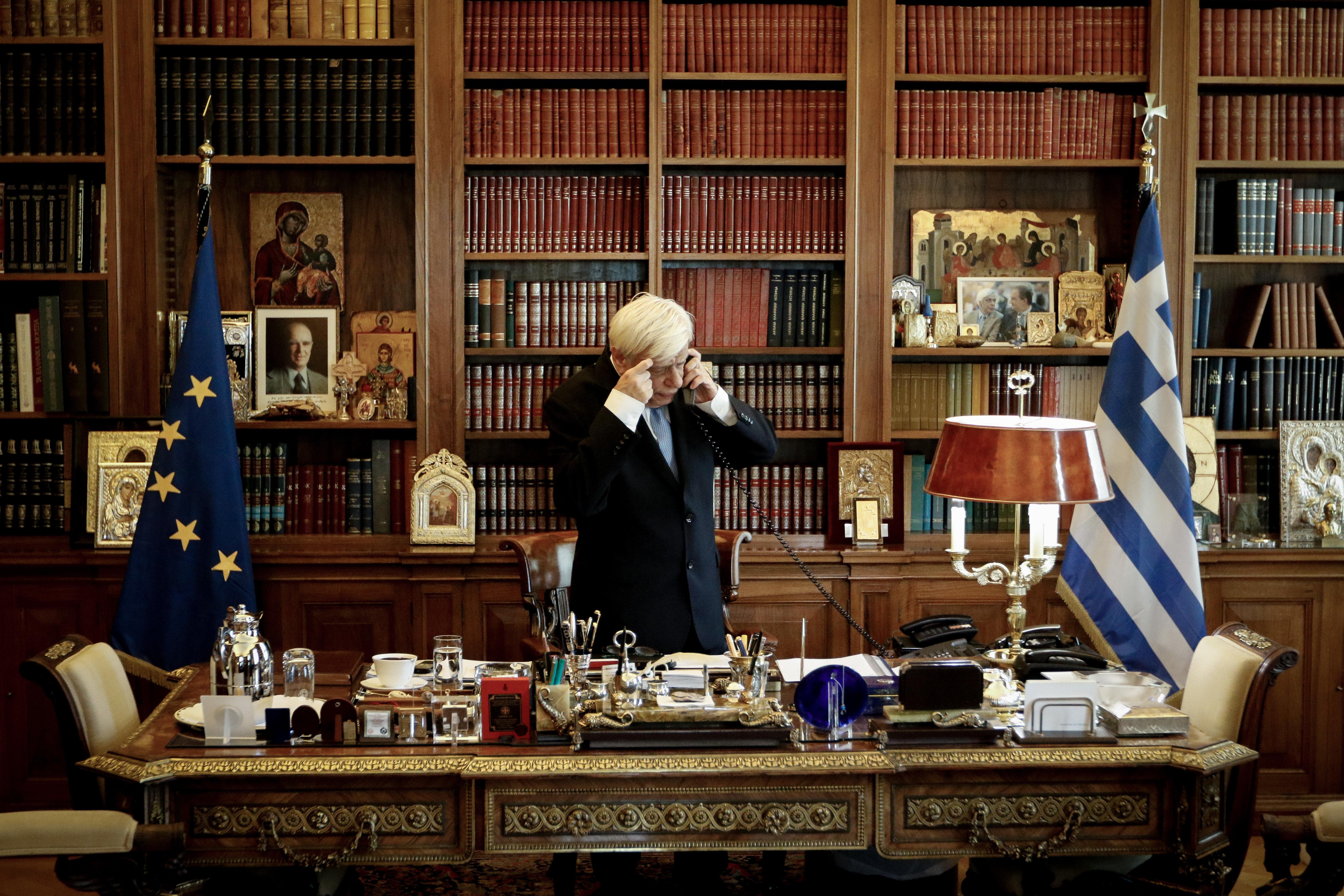 Αυστηρό μήνυμα Παυλόπουλου στην Τουρκία: Η Ελλάδα θα χρησιμοποιήσει κάθε μέσο για να υπερασπιστεί τους...