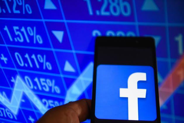 Το Facebook θέλει να αποκτήσει πρόσβαση στα δεδομένα πελατών