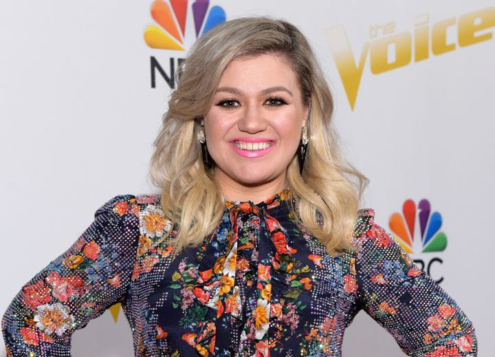 Kelly Clarkson is said to be getting a day job, with a talk show in the works todebut in next year.