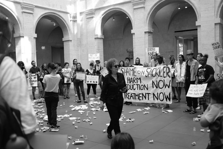 "Anti-opioid protest at the Harvard Art Museums, which the Sackler family has supported with charitable gifts. <a rel=""nofollo"