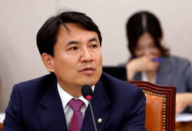 한국당 김진태 의원의 수행비서가 숨진 채