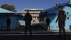 북한이 억류했던 남쪽 30대를 판문점 통해