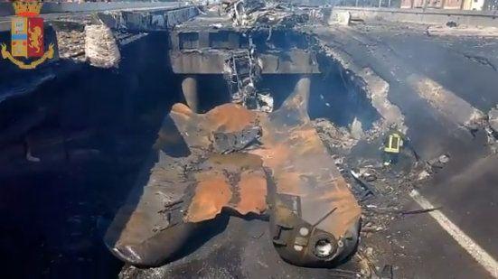 폭발사고로 인해 붕괴된 고속도로