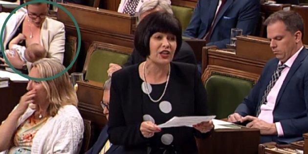 캐나다 장관이 하원 질의응답 시간에 아기에게 모유 수유를 했다