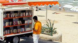 El Tarf : une biblio-plage invite les estivants à renouer avec la passion de la