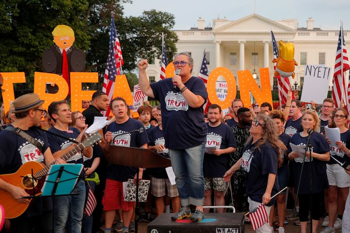 "Rosie O'Donnell and cast members from Broadway musicals join the ""Kremlin Annex"" protest in front of the White House on Monda"