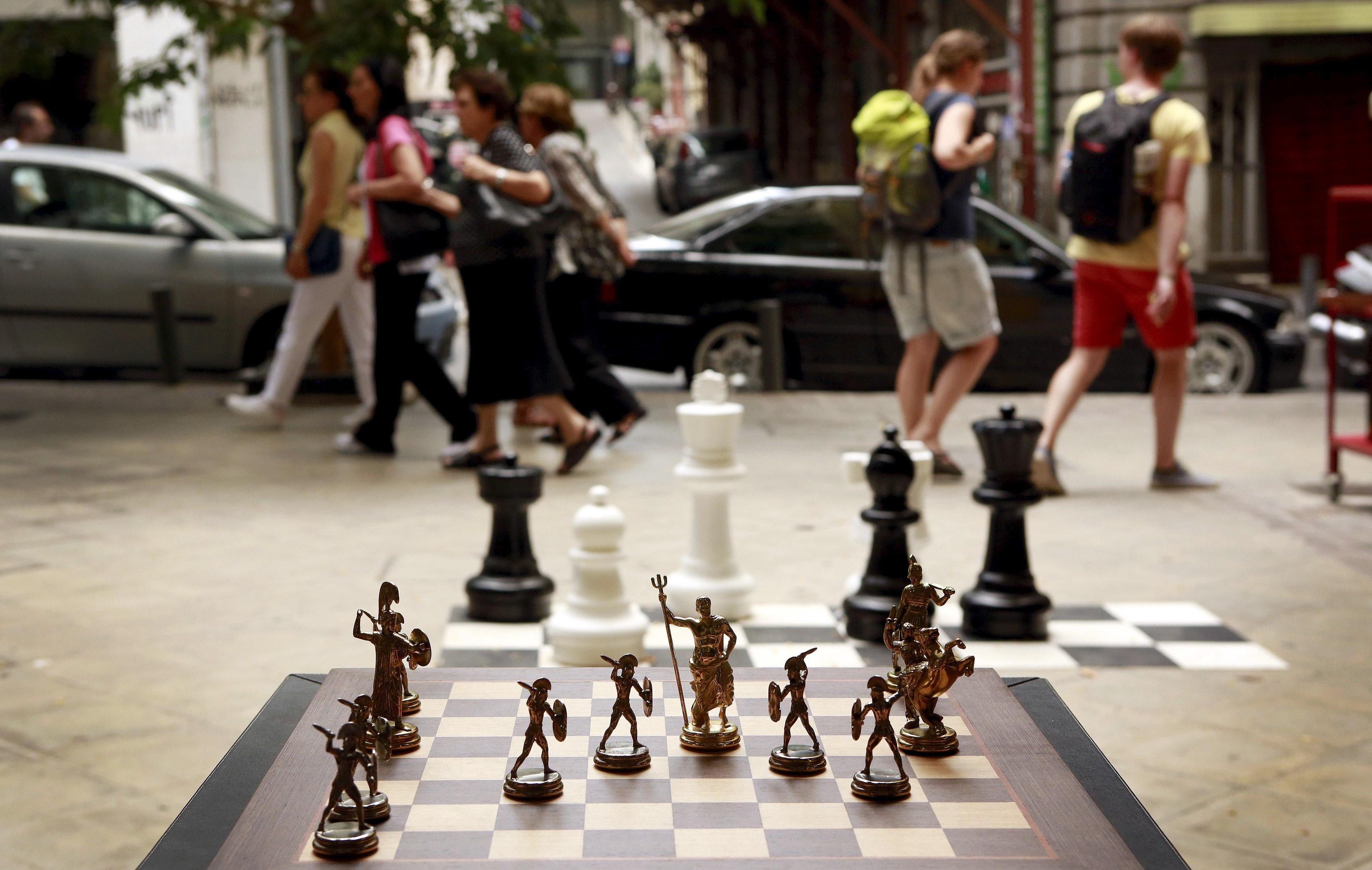 Τέσσερις κινήσεις στην σκακιέρα της ανάπτυξης