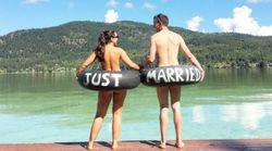 결혼했다는 사실을 온 세상에 알리는 귀엽고 재치있는 방법