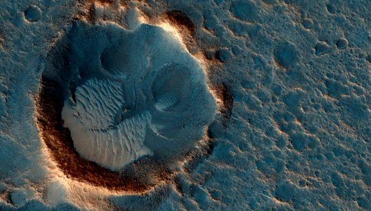 Το Curiosity της NASA εξερευνά τον Άρη εδώ και 6 χρόνια. Αυτές είναι οι εικόνες που μας έχει