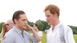 Tom Hardy résume ce qu'il pense du prince Harry en six mots