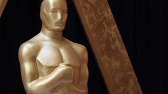An Oscar statue is unveiled on the eve of the 90th Academy Awards Ceremony 'The Oscars' on March 3rd, 2018 in Hollywood, California.  All eyes will be on the battle for Oscars supremacy between 'The Shape of Water' and 'Three Billboards Outside Ebbing, Missouri' on Sunday.  / AFP PHOTO        (Photo credit should read /AFP/Getty Images)