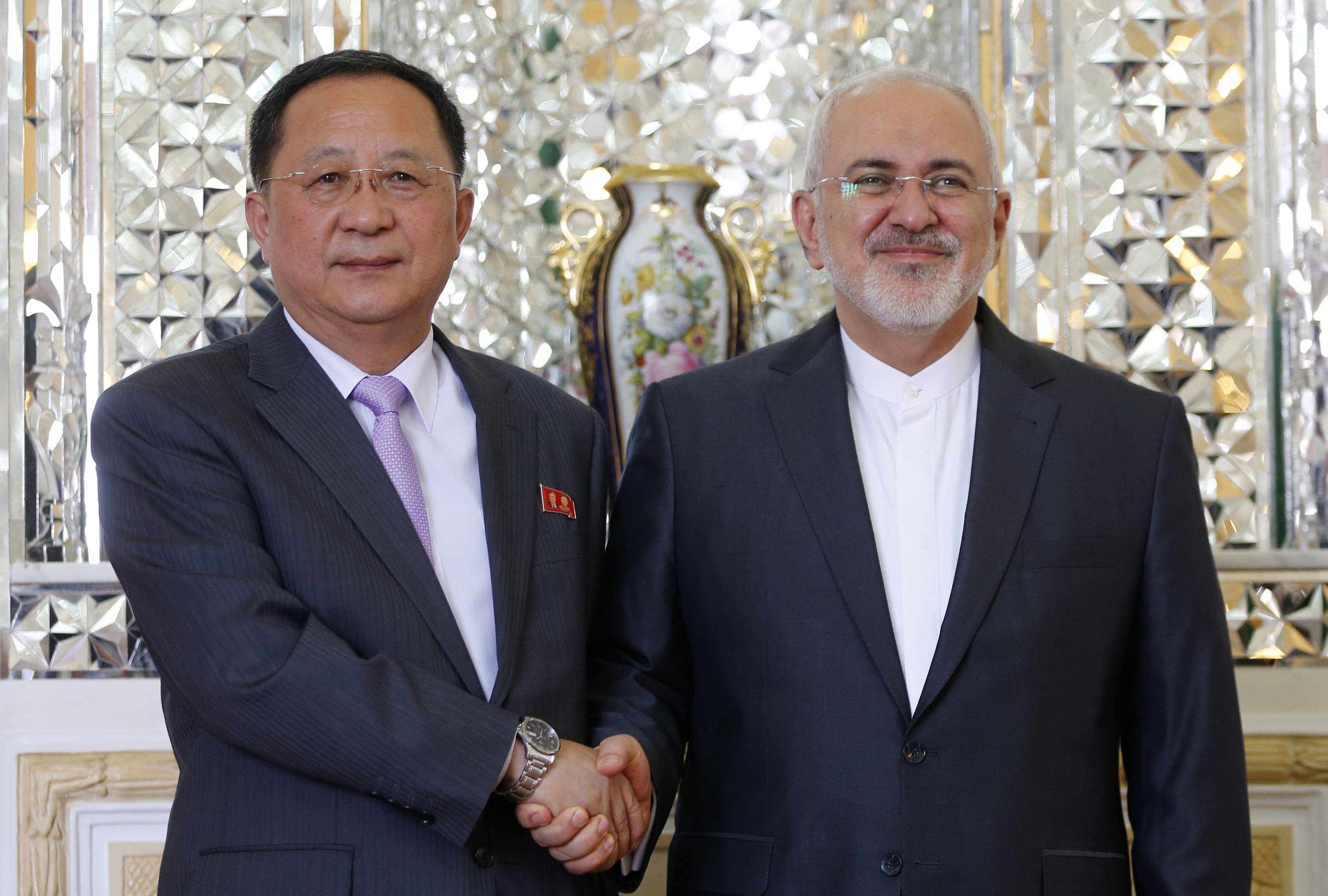 북한 리용호 만난 이란 대통령,