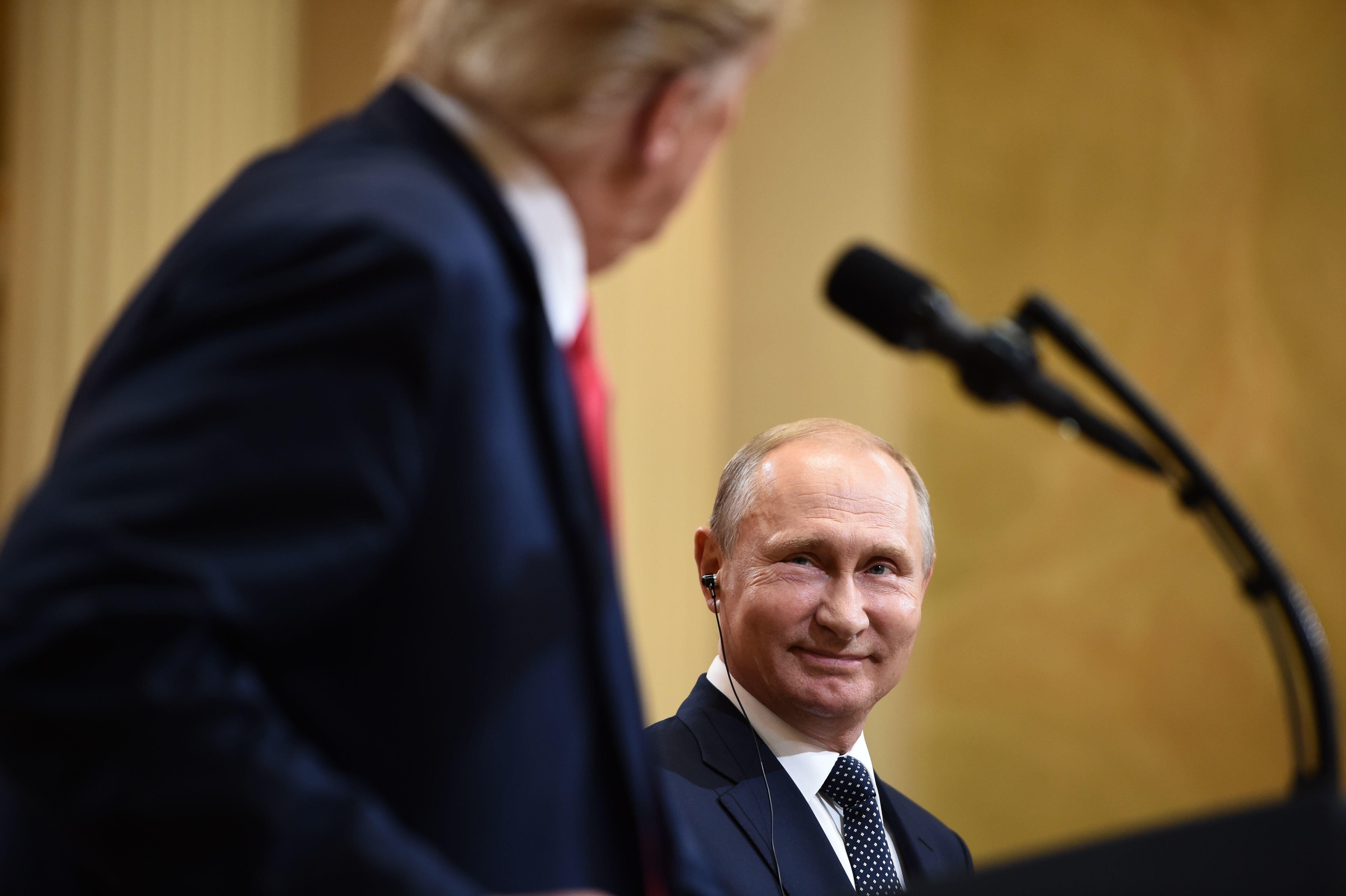 미국이 '이중스파이 독살시도' 러시아에 신규 제재를 부과한다