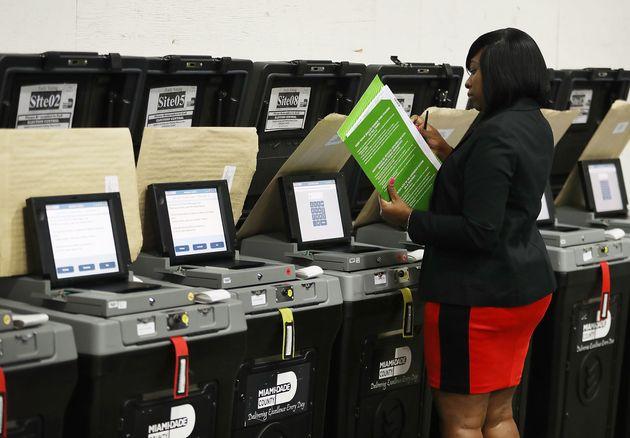 Καταγγελία στις ΗΠΑ πως Ρώσοι έχουν παρεισφρήσει σε συστήματα πληροφορικής για επηρεάσουν τις εκλογές...