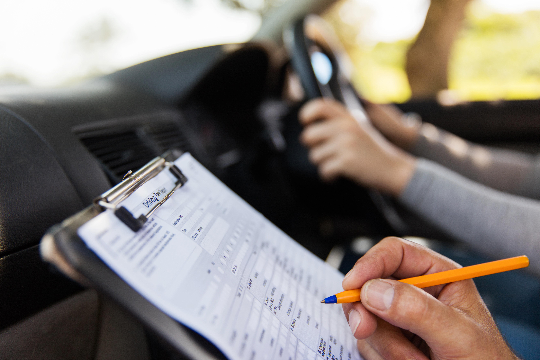 «Κρυφάκουγαν» στις εξετάσεις για το δίπλωμα
