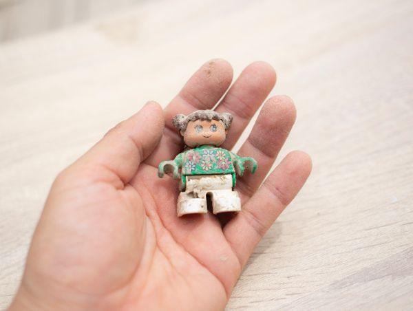 일본 장애아동 지원 센터가 흙 묻은 장난감을 선물로 보낸