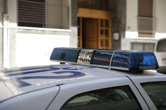 «Χειροπέδες» σε 31χρονο που προσπάθησε να παρασύρει αστυνομικούς στην
