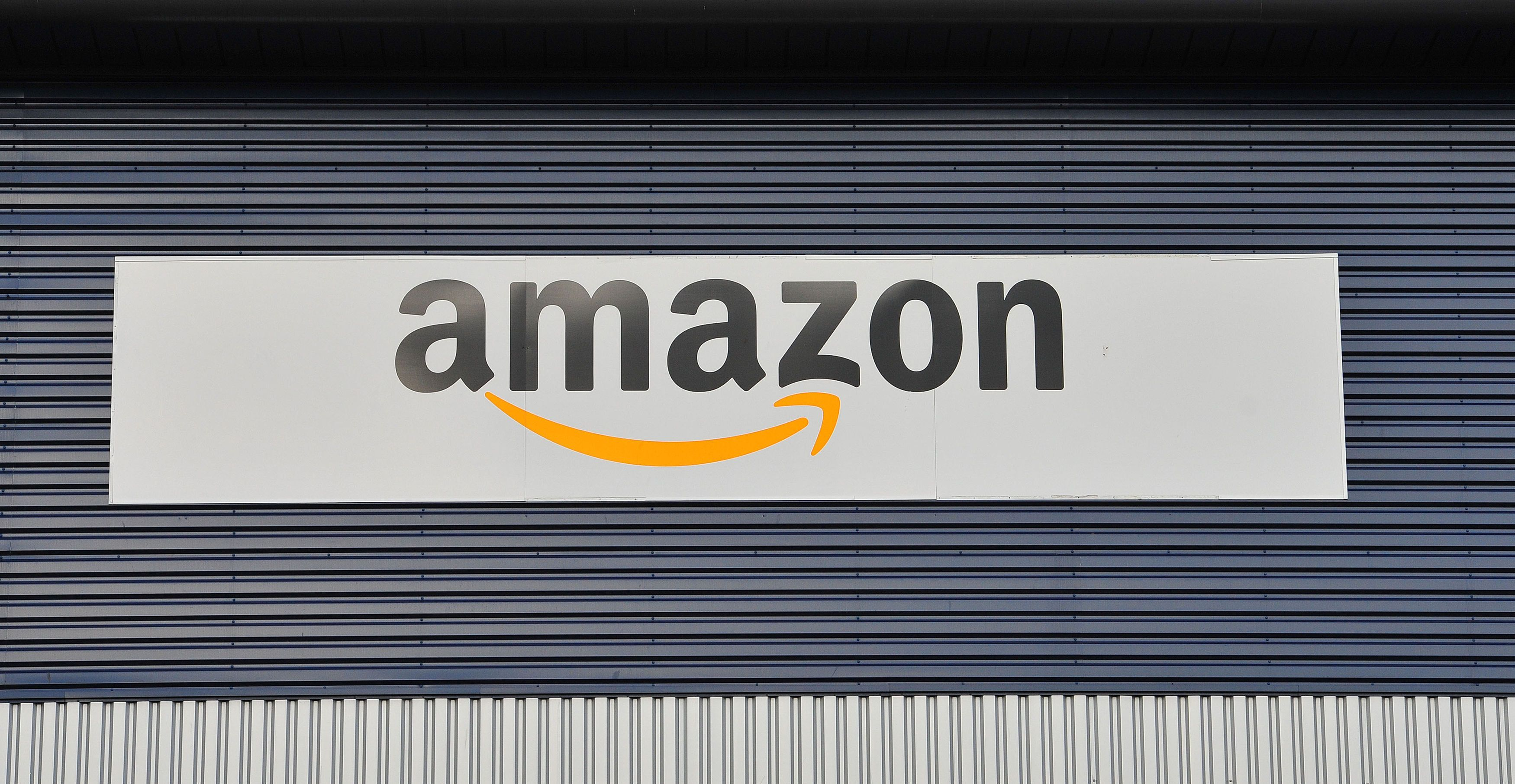 Chancellor Philip Hammond considering 'Amazon tax' for online retailers