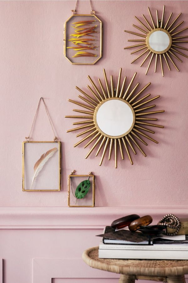 """Yes, <a href=""""http://www.hm.com/us/department/HOME"""" target=""""_blank"""">H&M has a really, really good home decor section</a>"""