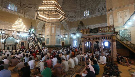 Dans les mosquées, et autour, mensonges et exagérations autour du rapport de la