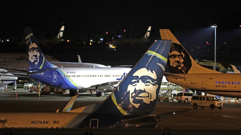 Airline Mechanic Steals Plane From Seattle Airport Before Crashing On Nearby