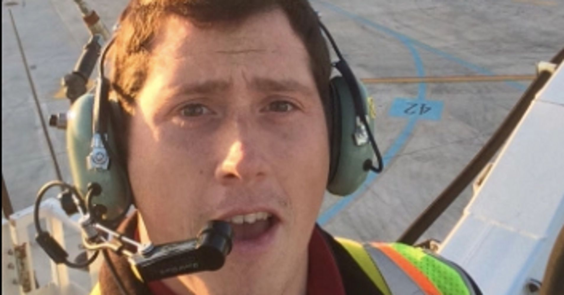Man Who Stole Crashed Seattle Plane Id D As Horizon Air