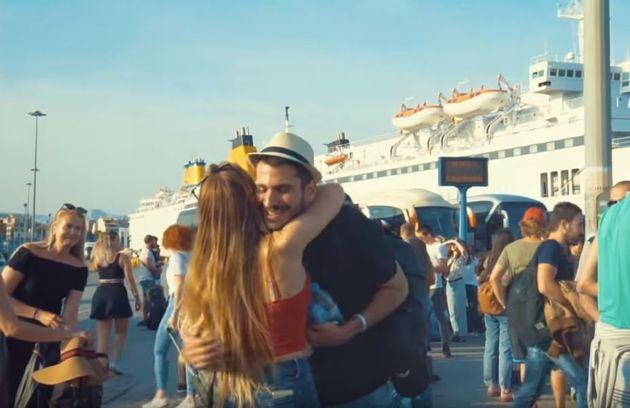H καλύτερη διαφήμιση για την Ελλάδα: Φοιτητές Erasmus απολαμβάνουν το καλοκαίρι τους στην